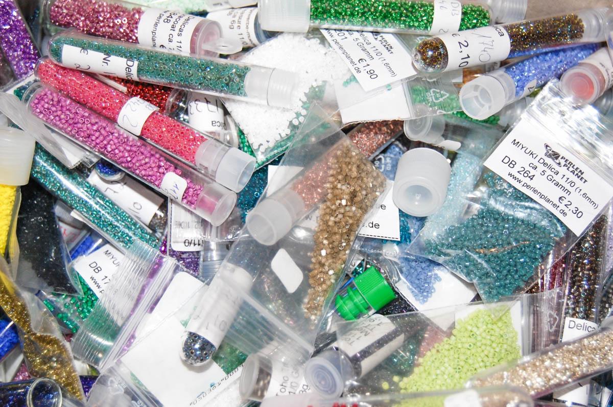 ordnung ist das halbe leben oder wie man seine perlen sortiert schmuck aus glasperlen. Black Bedroom Furniture Sets. Home Design Ideas